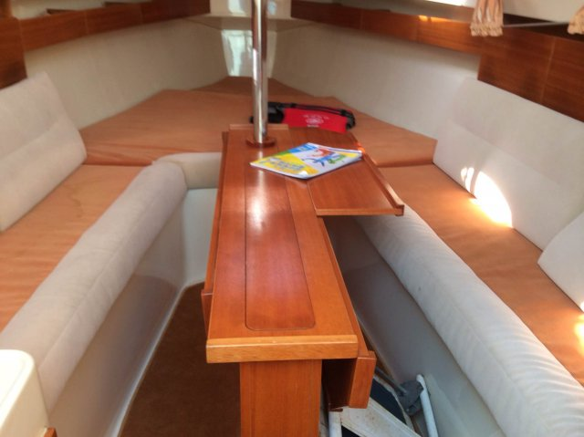 欧罗巴,卫生间,法国,帆船 2011年28英尺带卧室卫生间法国欧罗巴帆船转让