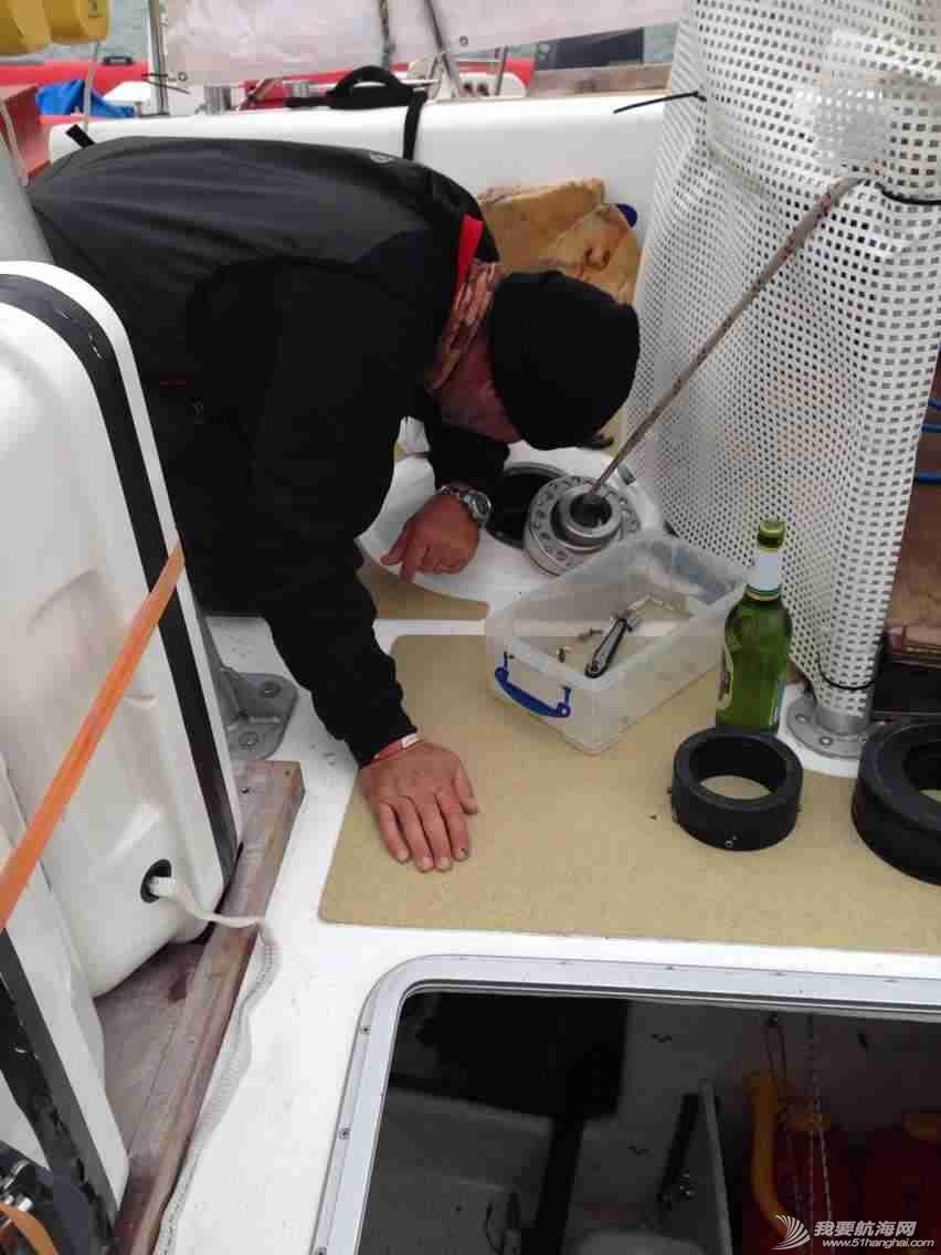 3月12日,徐京坤受到garmin号上来自澳大利亚帕斯的水手马克邀请参观他们的船。 mmexport1394612482916.jpg
