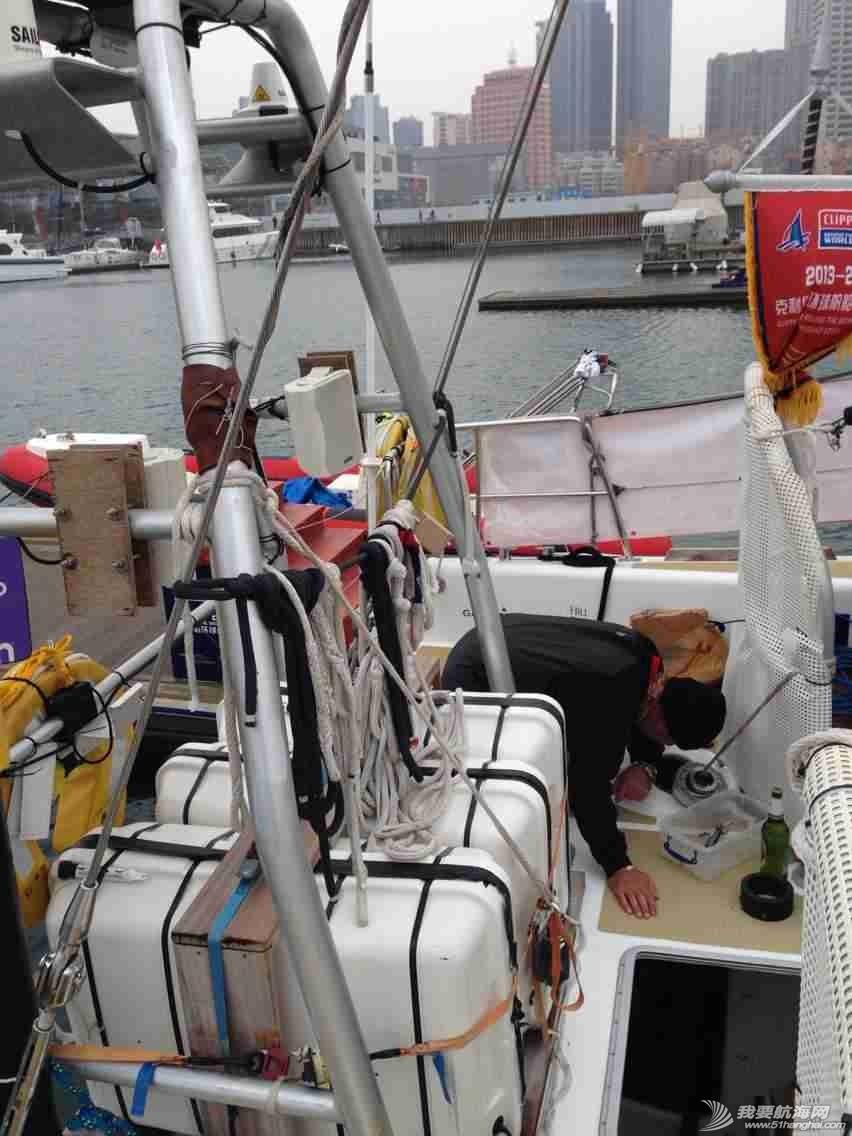 3月12日,徐京坤受到garmin号上来自澳大利亚帕斯的水手马克邀请参观他们的船。 mmexport1394612467701.jpg