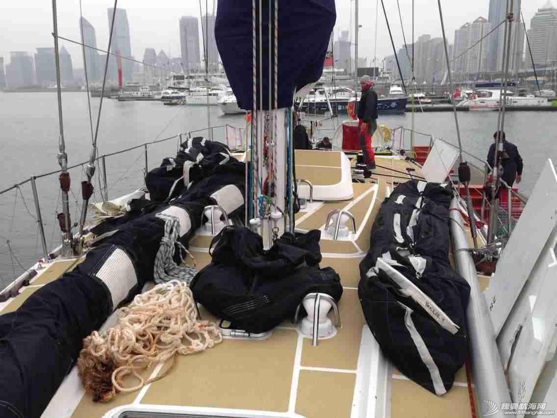 3月12日,徐京坤受到garmin号上来自澳大利亚帕斯的水手马克邀请参观他们的船。 mmexport1394612508525.jpg