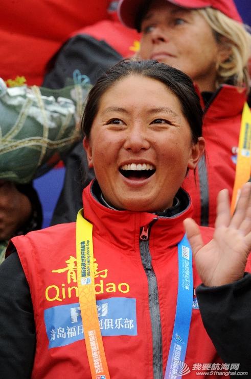 """美洲杯,最大的,中国,青岛,女性 3月12日,乐观、积极向上、敢于直面挑战的""""80后""""宋坤在欢迎仪式上向人们挥手致意。 1.png"""