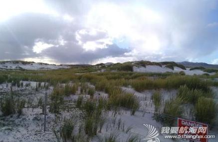 我们在南大西洋的福克兰群岛(英属)也称马尔维纳斯群岛,这里也有企鹅。 10.png