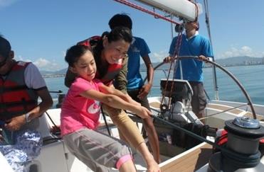 去年获得环海南岛大帆船赛亚军的海南陆客号将带着全新品牌陆客帆船出征本年度的比赛 3.png