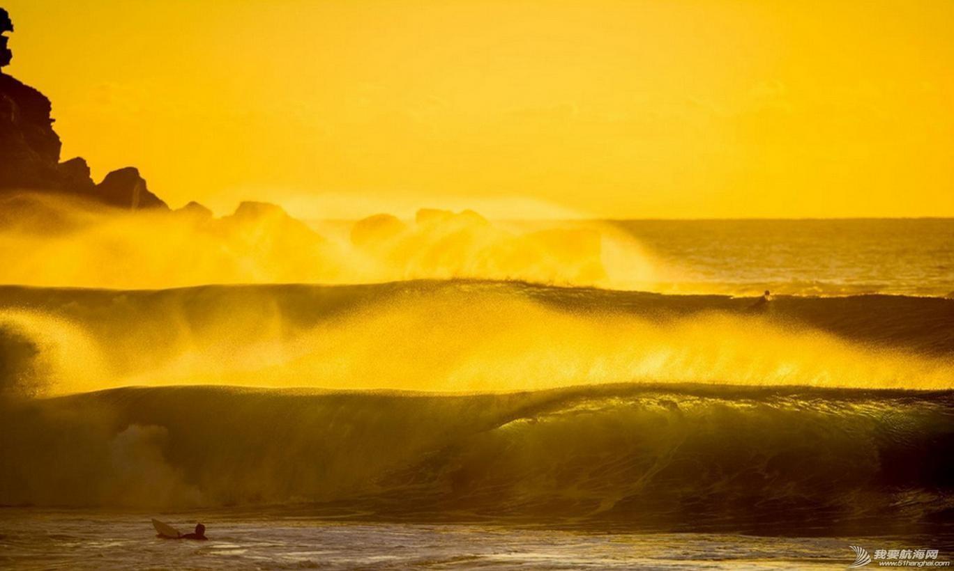 热带风暴,冲浪,极限 热带风暴中的极限冲浪 2.jpg