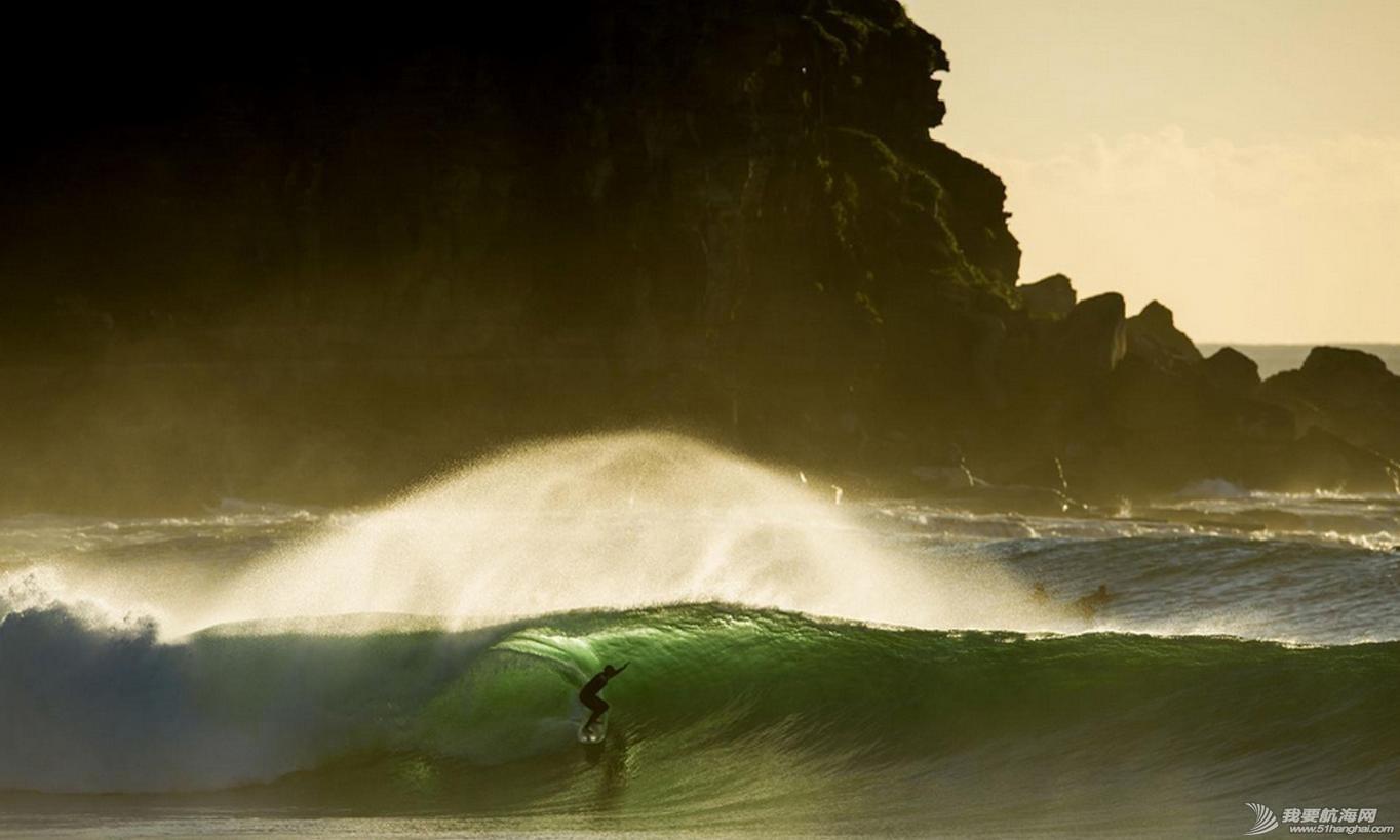 热带风暴,冲浪,极限 热带风暴中的极限冲浪 3.jpg