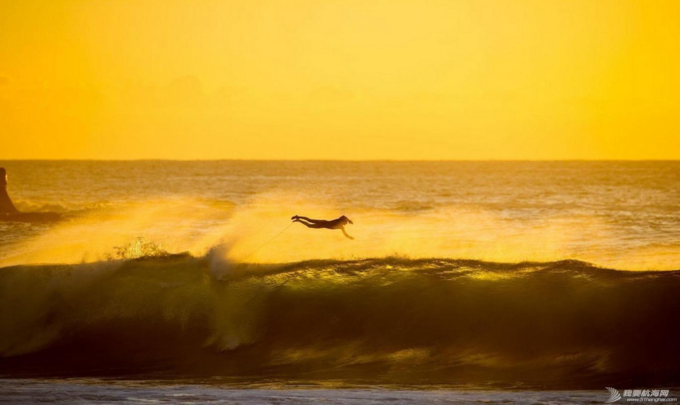 热带风暴,冲浪,极限 热带风暴中的极限冲浪 4.jpg