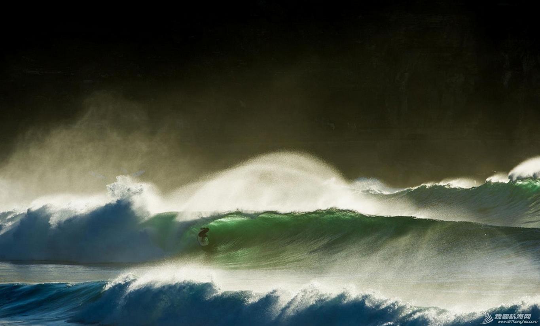 热带风暴,冲浪,极限 热带风暴中的极限冲浪 6.jpg