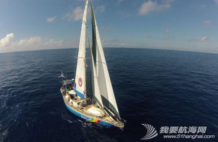 """2014年""""彩虹勇士号""""已深入太平洋,航海家庭会一路回馈支持他们的朋友。 1.png"""