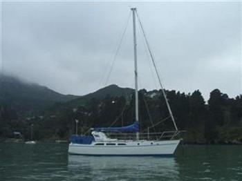 新西兰 2005年下水,钢制Hartley Silver 34,¥192,000.停泊于新西兰 1.jpg