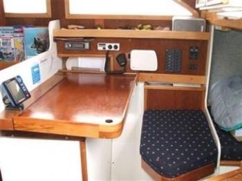 新西兰 2005年下水,钢制Hartley Silver 34,¥192,000.停泊于新西兰 2.jpg