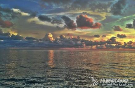澳大利亚,太平洋,度假村,英文,启航 清早启航,海水叶轮损坏,各种坏,疲惫不堪的3口人扬帆告别陆地。 1.png