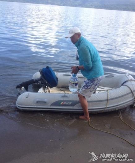 培训新船员驾小艇,运水。 2.png