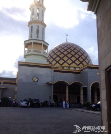 穆斯林,十字架,居民区,建筑,印尼 安汶,漫长的香料殖民史,日军在赤道南的总部,宗教冲突。 12.png
