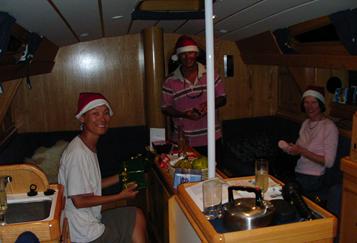 圣诞节过得温馨又快乐,西蒙的太太妮珂拉跟我们团聚了。---《大西洋航游760天》 10.png