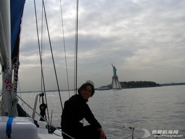 不打无准备之仗,咱个开着个寒酸的小船进大纽约不能掉以轻心。《大西洋航游760天》 20.png
