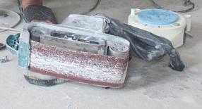 朋友 朋友送来的砂带机,腻子活,已经做了3周,估计还要1周以上时间才能有最后的模样。 9.png