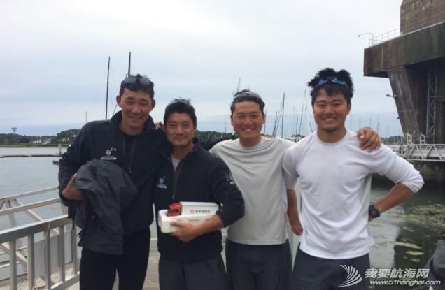 中国船员,大西洋,平安 参加横跨大西洋远洋实战训练的中国船员在经历了大西洋十天的洗礼后,终于平安靠岸。 14.png