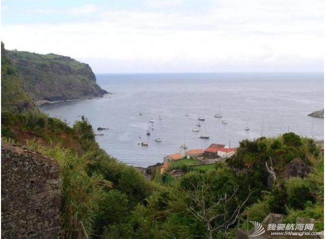 北大西洋,新西兰队,美洲杯,巴哈马,白沙滩 这里的船都不如同道者先进,但我们看到的风景没有任何区别。---《大西洋航游760天》 1.png