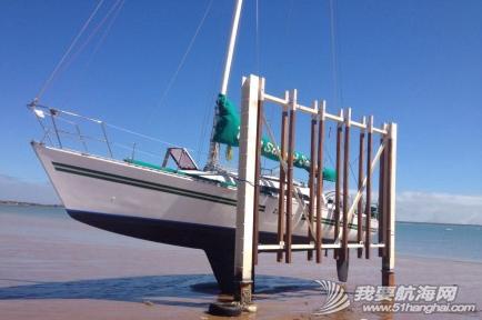 达尔文,俱乐部,中文,帆船 达尔文有7米的潮差,单体船就在低潮时捆在旁边做船底工作。 19.png