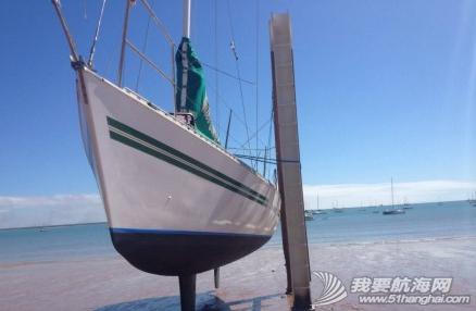 达尔文,俱乐部,中文,帆船 达尔文有7米的潮差,单体船就在低潮时捆在旁边做船底工作。 20.png