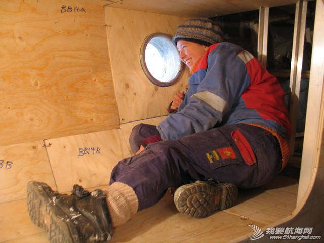 女孩 如果果村要是来一帮这样的女孩帮忙造船,GR750进度就快了. 22.jpg