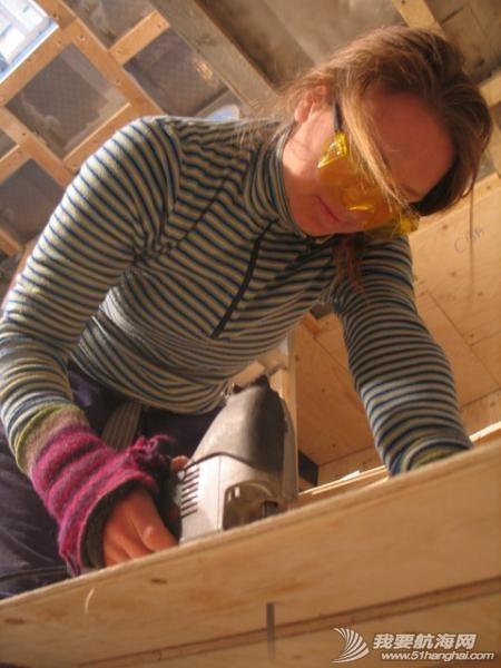 女孩 如果果村要是来一帮这样的女孩帮忙造船,GR750进度就快了. 24.jpg