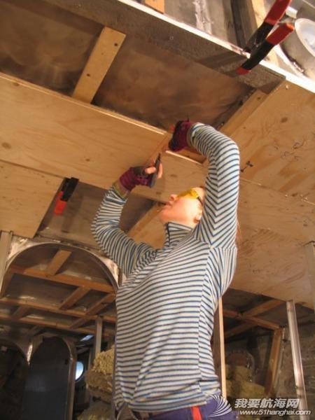 女孩 如果果村要是来一帮这样的女孩帮忙造船,GR750进度就快了. 25.jpg