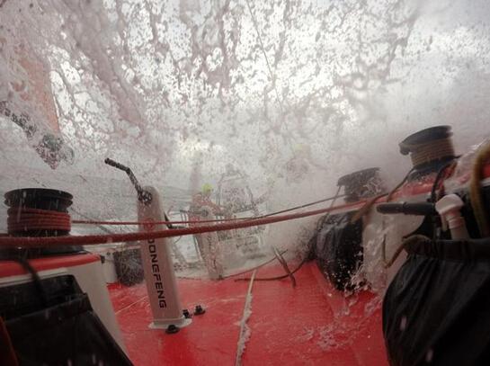 沃尔沃,极端天气,当地时间,大西洋,法国 2014-06-132014-15沃尔沃环球帆船赛——决策时刻 0.jpg