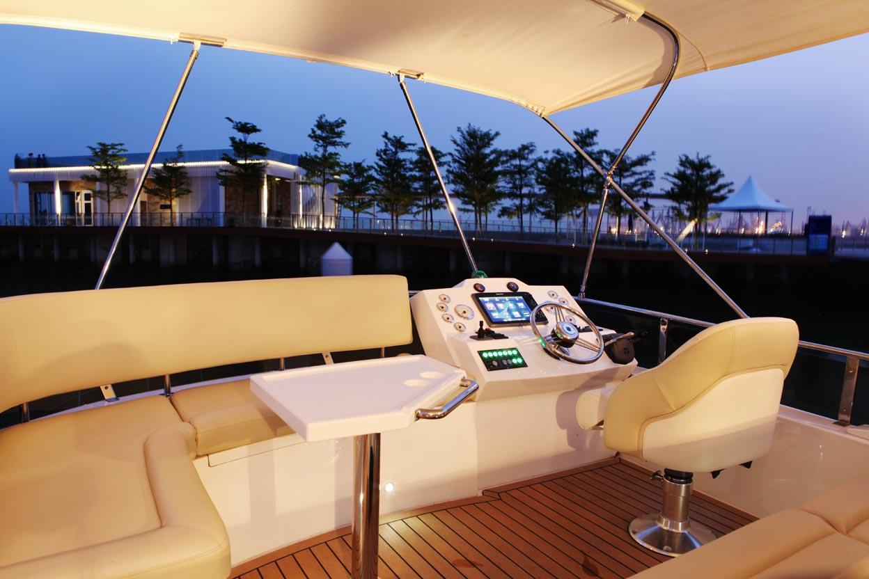 大海 2014-06-19这样的游艇生活,你会喜欢吗? 20140613030554142.jpg