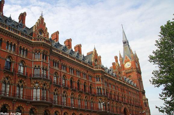 2014-06-19漫游伦敦 体验奢华的皇室生活 1382350430359.jpg