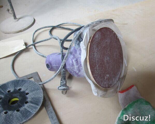 抛光机 买来的抛光机抛光还可以打磨不行.自己做了一个硬盘从使用效果看,相当于砂带机. 4.jpg