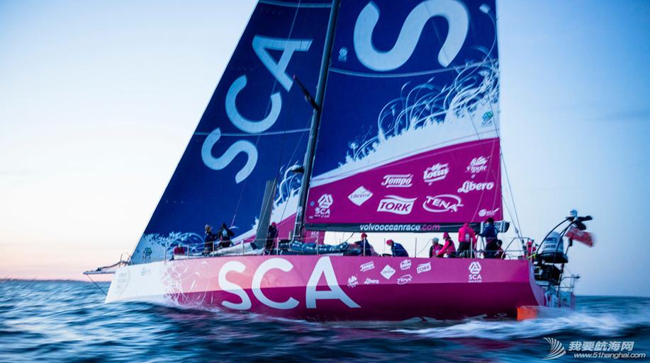 爱生雅队,尔沃环球帆船赛,随船记者 全女子船员组成的爱生雅队确定了2014-15沃尔沃环球帆船赛的随船记者 3.png