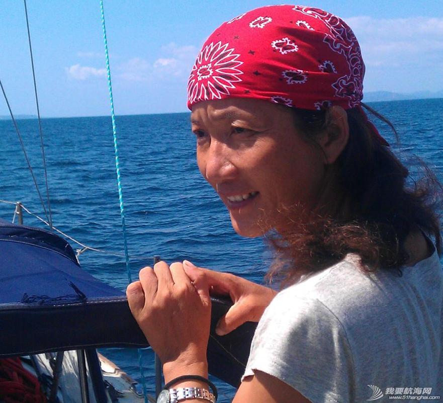 让我们一起来欣赏一下万金玉大姐的陆地生活和海上漂时的照片 37.png