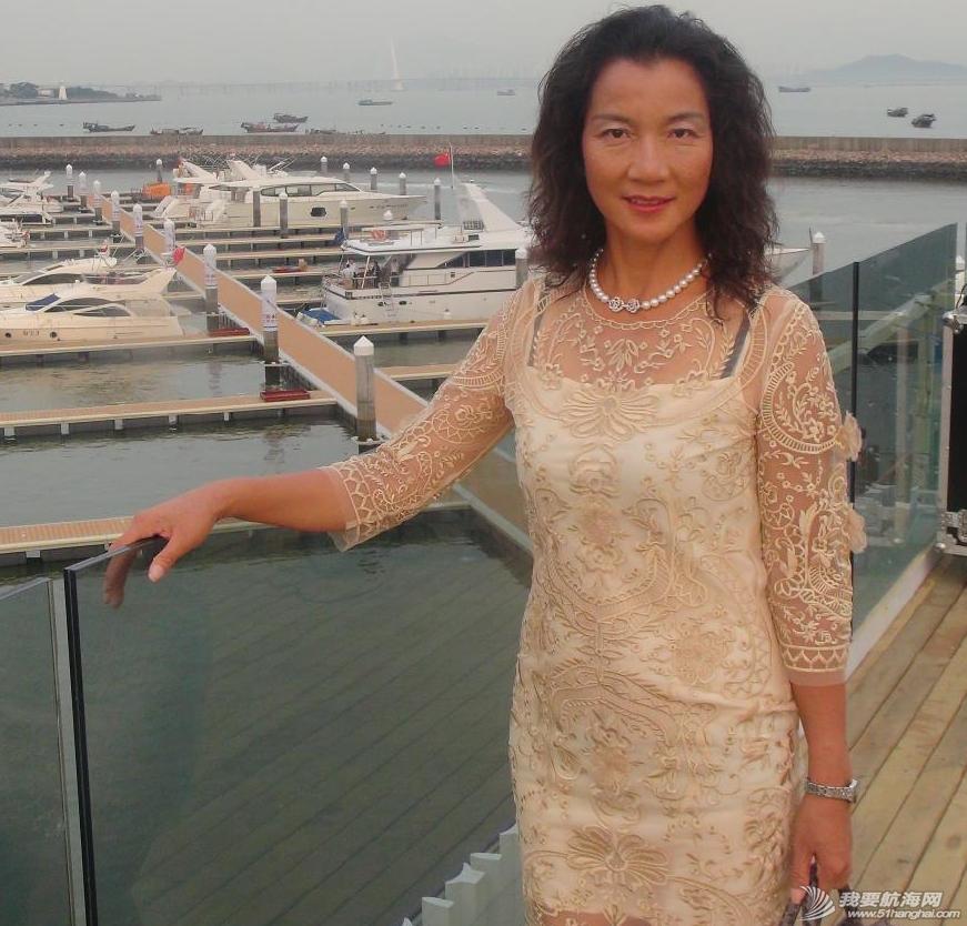 让我们一起来欣赏一下万金玉大姐的陆地生活和海上漂时的照片 42.png