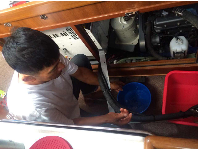"""济州岛,secondDream,帆船,高民,环球航行 高民和船员驾驶着""""Second Dream""""号刚出发就遇到大风浪,比预计晚了一夜才到达韩国。 14.png"""