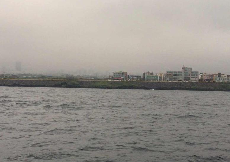 """济州岛,secondDream,帆船,高民,环球航行 高民和船员驾驶着""""Second Dream""""号刚出发就遇到大风浪,比预计晚了一夜才到达韩国。 18.png"""