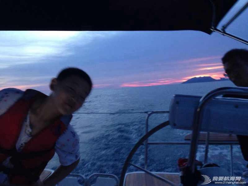 上船吃碗热面,我的幸福就是泡面精神。 141045zanslc7absa8hlbs.jpg