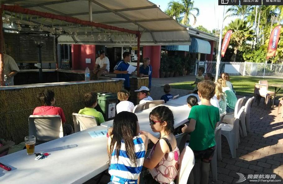 当地人,帆船,证书,跳高 帆船班结业BBQ,馨馨领到第一个洋证书。 2.png