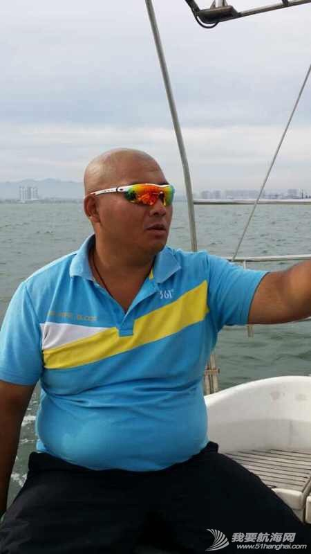 2014秦皇岛号帆船首航试帆,今天风和日丽,蓝天白云滴还不晒。 162930ayozfszb4xulxzob.jpg