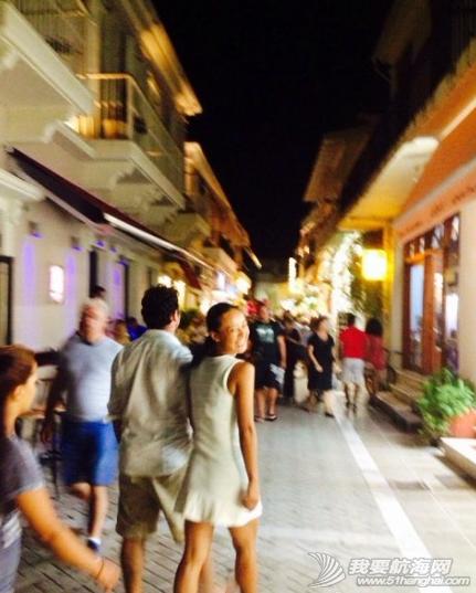 哈瓦那,音乐 在你靠岸之前,你永远不知道你会从一个堡垒进入一个小镇,闯入一个没有人的小巷.... 3.png