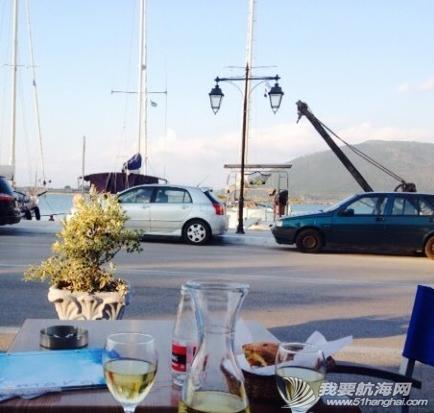 步行街,咖啡厅,希腊,中心,风格 希腊很多岛除了收费的游艇码头,每个地区政府也开放很多免费停靠位在中心步行街位置。 11.png