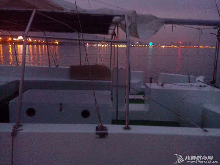 烟台大学海边惊现日照海风帆艇制造有限公司的双体帆船 091711gfqf63zhqzp5ci6h.jpg