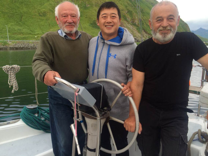 高民团队遇到了两位73岁和64岁帆船环球的俄罗斯老人 72205