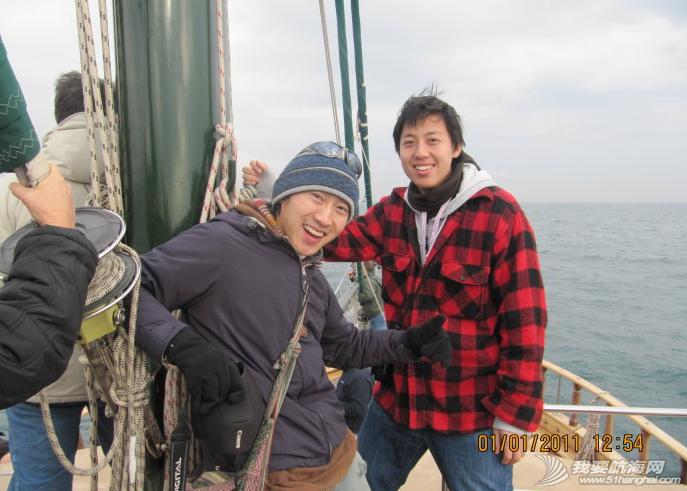 巴塞罗那,西班牙文,工作人员,生活方式,法国人 巴塞罗那环球帆船赛起航---在Port velle 上媒体船Karya出海观看起航仪式 12.png