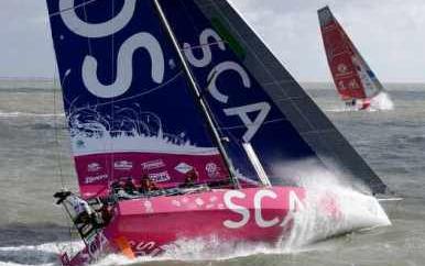 西班牙队,阿布扎比,沃尔沃,英国及爱尔兰帆船赛 阿布扎比队率先完成环英国及爱尔兰帆船赛,并打破赛会单体帆船参赛记录。 13.png