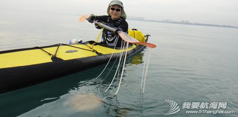 琼州海峡,独木舟,报名,清茶 2011年5月,闪米特和队员阿凡的两条独木舟的探险之旅。 11.png