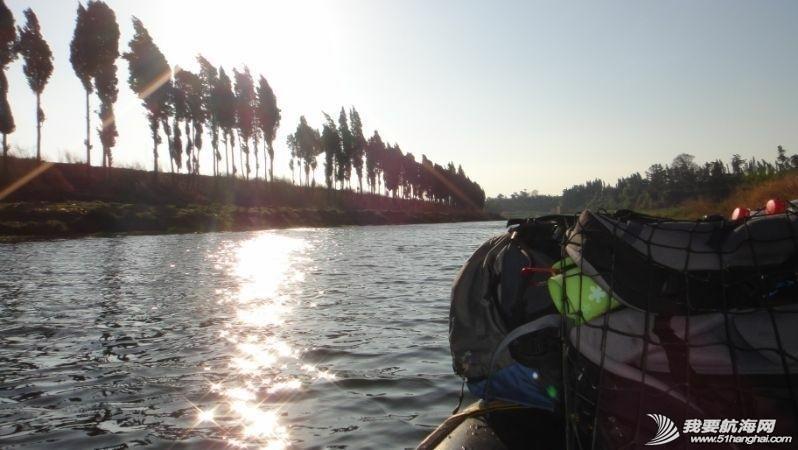 珠江,西太平洋,独木舟,自行车,水资源 闪米特:2014年水上活动第一季----完漂珠江2200公里浪尖传奇 1c77bc56e96c265e4ba923efcb8d432d_b.jpg