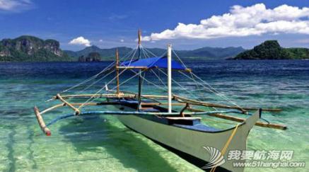 海水清澈得像船漂在空中一样,船像悬空在湖面上。 7.png