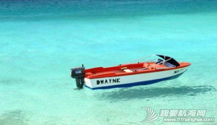 海水清澈得像船漂在空中一样,船像悬空在湖面上。 8.png