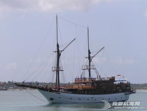 巴厘岛,印度洋,雅加达,艺术家,航海家 2007年7年月7日电雅加达消息:印尼《国际日报》欢送中国单人帆船航海家翟墨 18.png